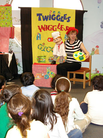 Oasis for children: Twiggles wiggles and giggles